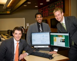 Photo of students in the Trading Room a the Wright State Raj Soin College of Business.
