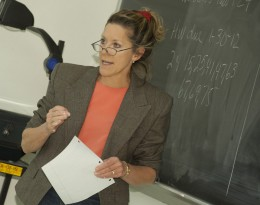 Photo of Betsy Witt teaching math