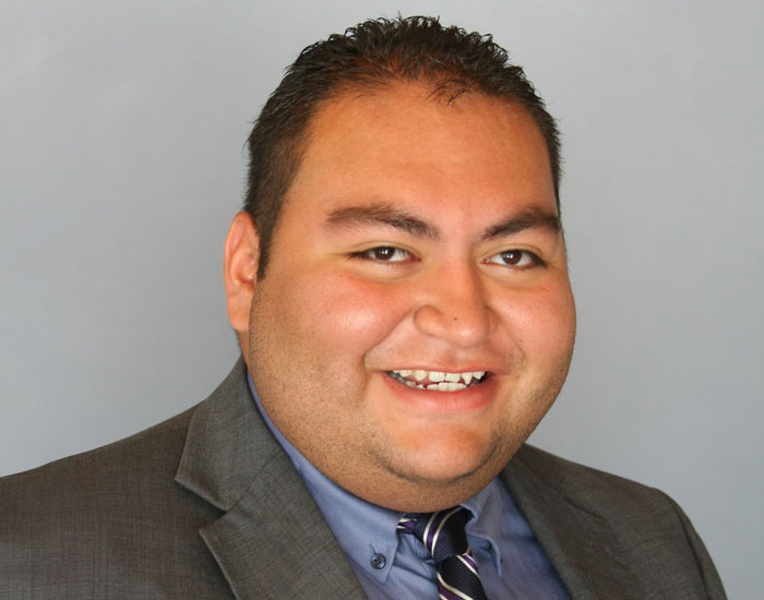 Headshot of Daniel Hernandez