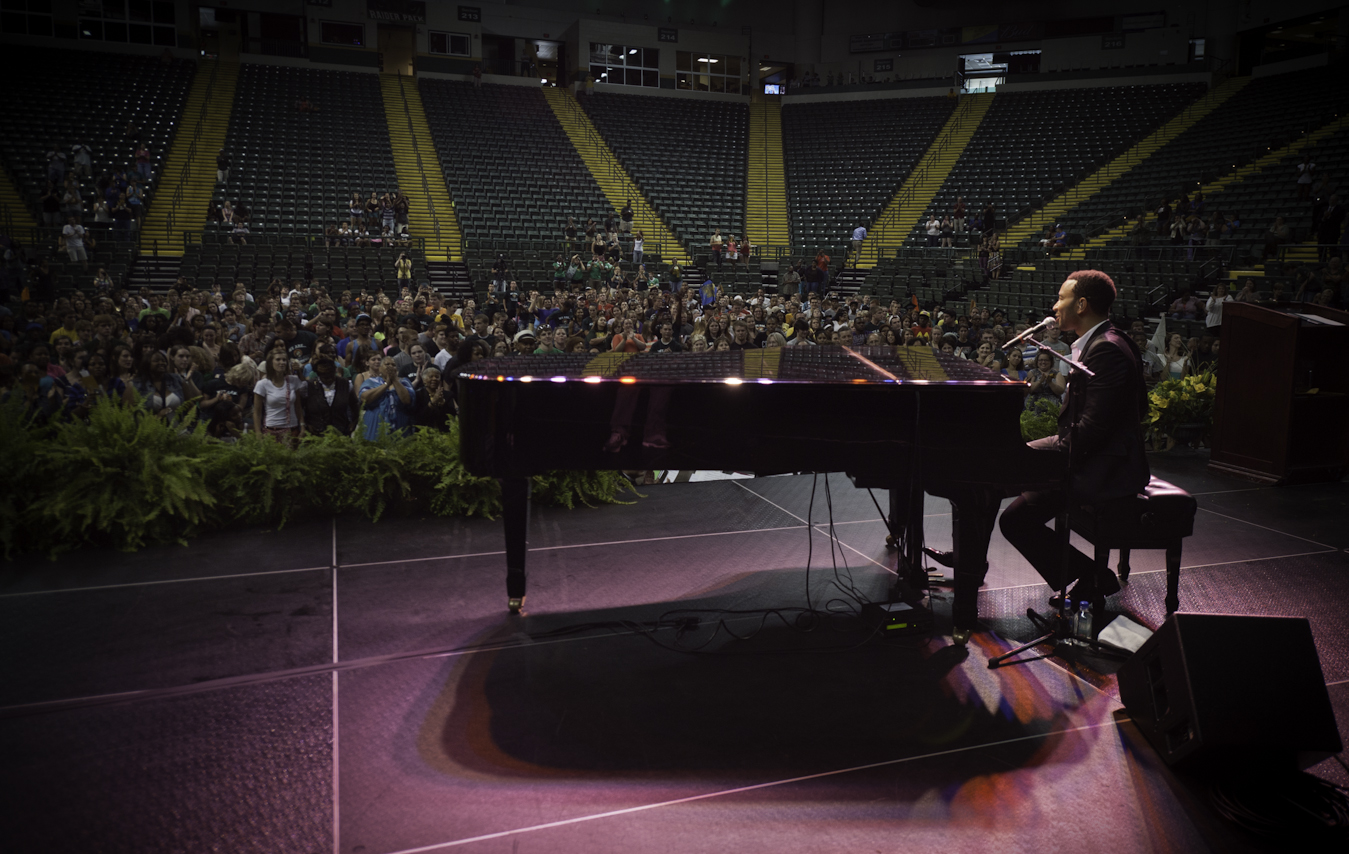 Photo of John Legend performing on stage at Wright State's Freshman Convocation 2012.
