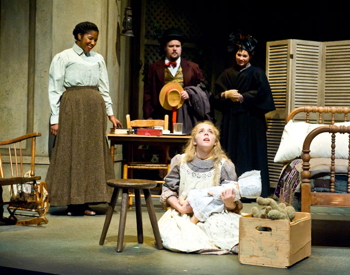 Photo of a scene from &quot;The Miracle Worker&quot;