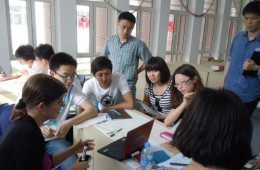 Photo of Dalian students learning english from Wright State students and professors.