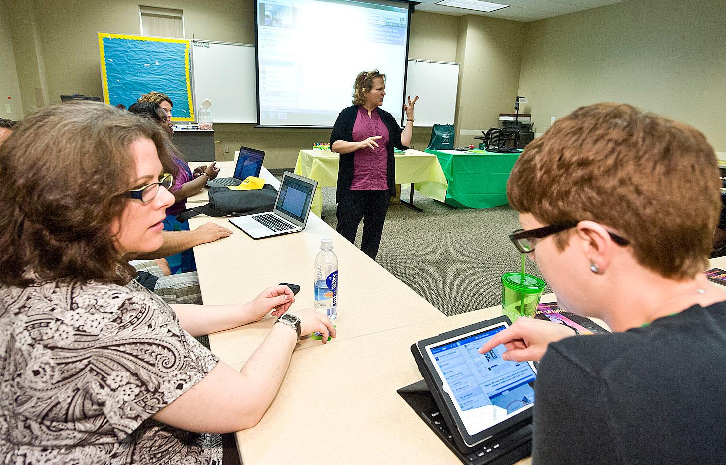 Wright State Newsroom Instructors Sharpen Online Teaching Skills
