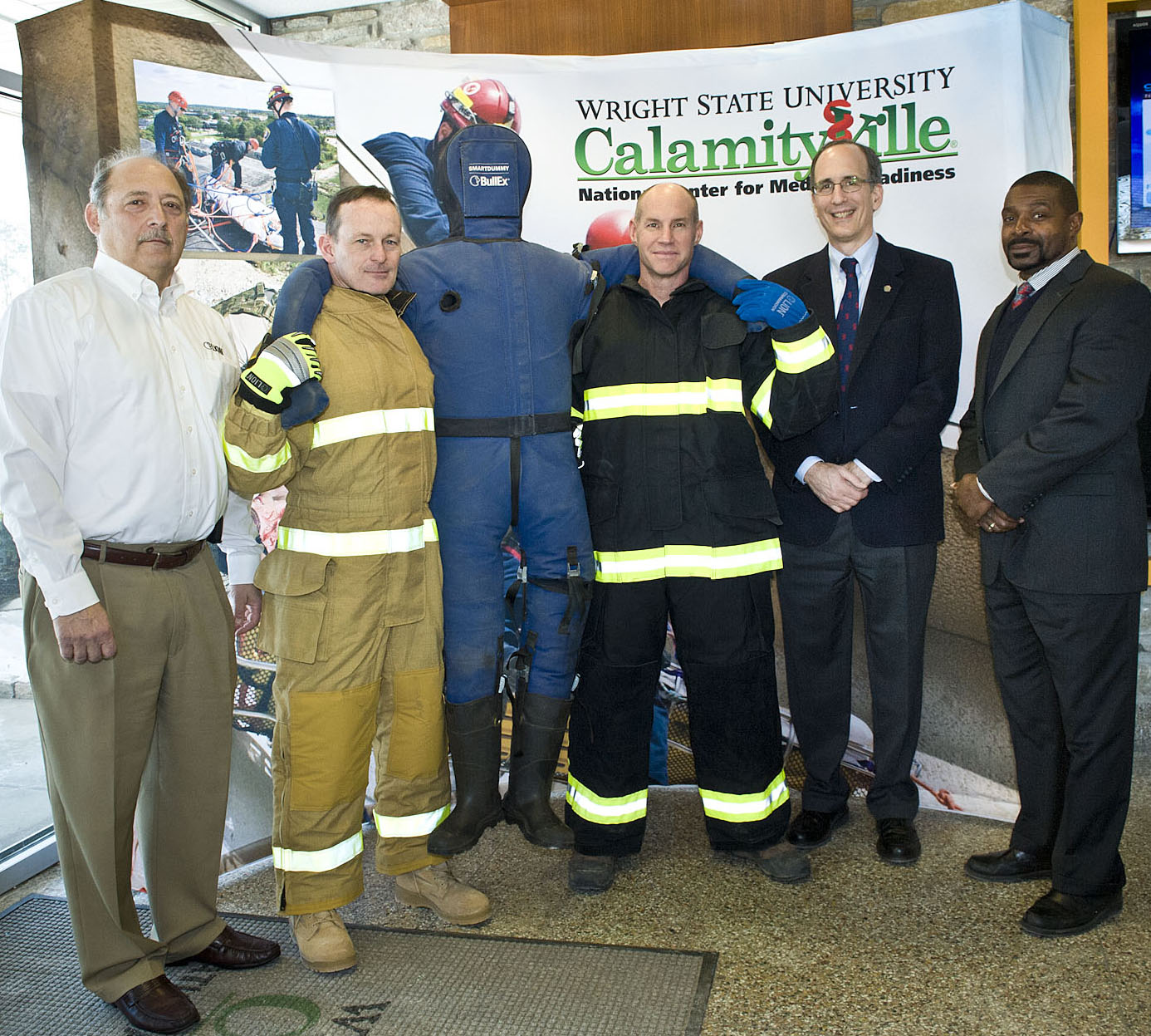 National Center of Medical Readiness and LION officials
