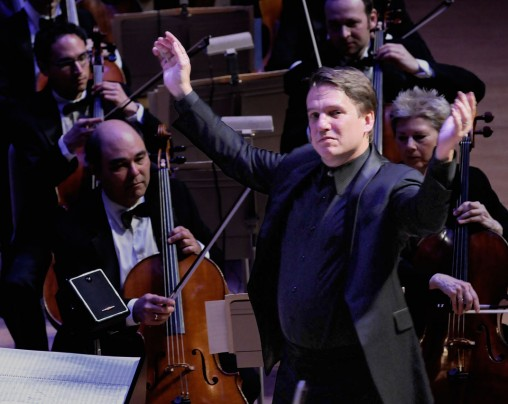 Keith Lockhart conducting the Boston Pops