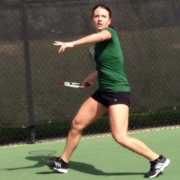 Tori Turner playing tennis