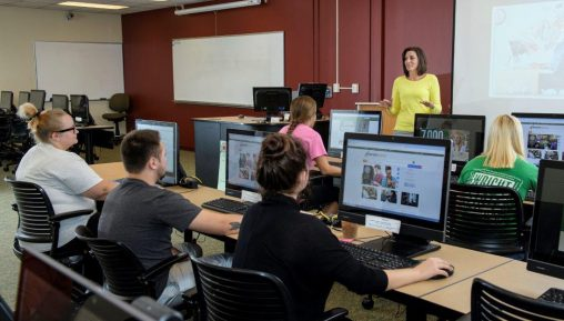 Mandy Shannon, coordinator of library instruction and assessment, instructs students in a Research Toolkit workshop, which teach how to use search engines more surgically and effectively by filtering the information. (Photo by Erin Pence)