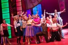 'Hot Mikado' group sing along